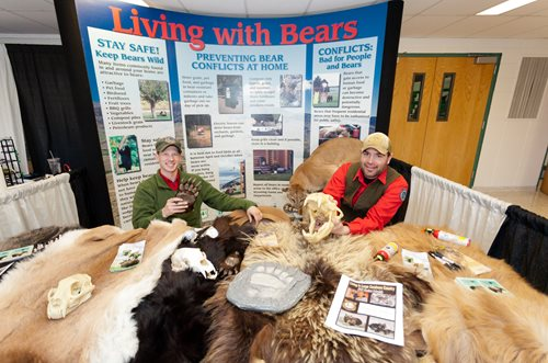 Wyoming game and fish department bear wise wyoming for Game and fish wy